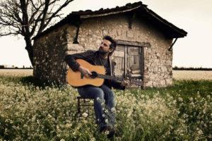 """Intervista a Omar Pedrini, """"artigiano"""" della musica"""