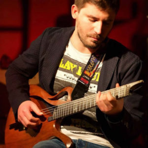 Renato-Caruso-chitarrista-crotonese