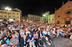 5000 persone a Indulgence Chromatics Festival 1
