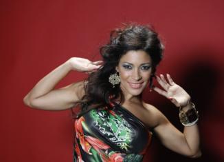 Con Candela 2k16, Ydalia rivisita un brano che avvolgerà l'estate 2016