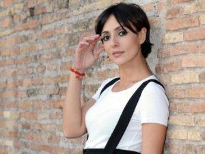 """T'appartengo di Ambra Angiolini, """"disco cult"""" degli anni Novanta"""