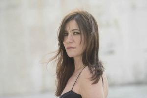 Paola Turci, una donna allo specchio