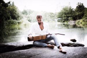 Luca D'Alessandro ci parla del suo nuovo singolo, del nuovo album e… 1