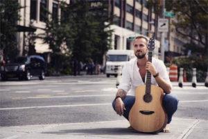 Luca D'Alessandro ci parla del suo nuovo singolo, del nuovo album e…