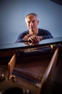 """Enrico Giaretta, il cantaviatore: """"Metto tutti i cieli che ho volato nella mia musica"""" 1"""