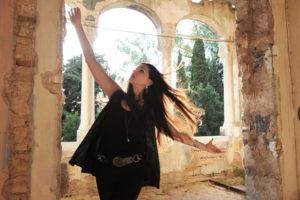 """""""Se solo tu sapessi ma già sai"""": Luisa Corna e il suo """"Angolo di cielo"""""""