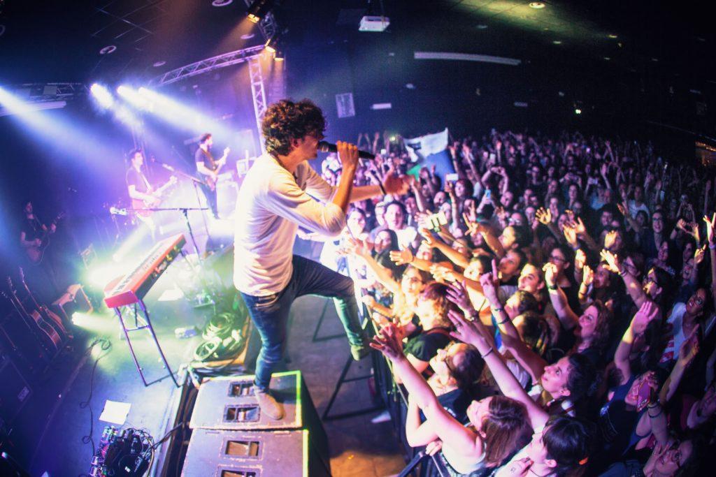 Ermal Meta da Vietato Morire Tour a Hit Week 2017