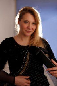 Floraleda Sacchi: l'arpa, il nuovo album e i successi musicali