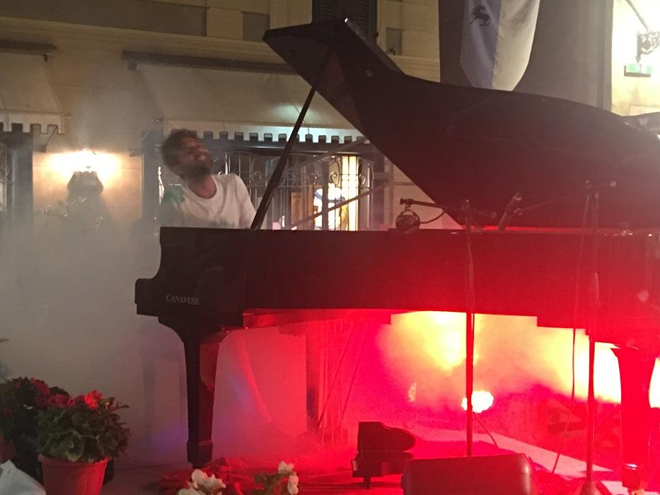Successo per Andrea Benelli in concerto ad Albenga | Musica361