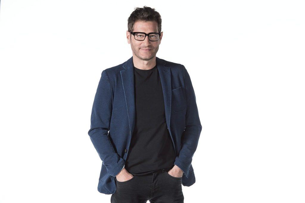 Enrico Papi, nuovo programma su Tv8: Guess my age