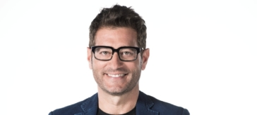 Intervista: Guess my age, il ritorno di Enrico Papi in tv
