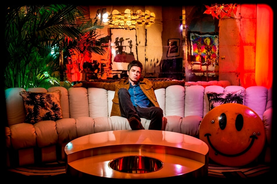 Noel Gallagher e gli High Flying Birds, Who built the moon