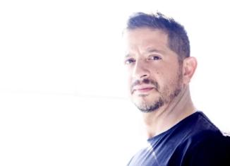 Giuseppe Anastasi, da autore a cantautore