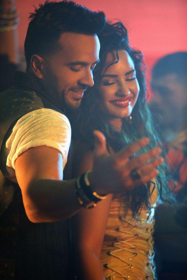 Luis Fonsi e Demi Lovato insieme in Échame la culpa