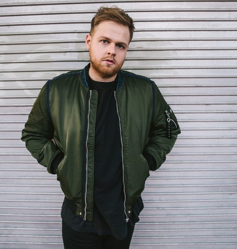 Tom Walker, intervista al cantante di Leave a light on