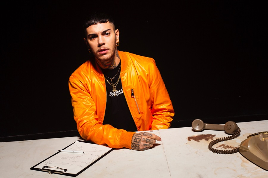 Emis Killa si dà alla moda con Family First Milano