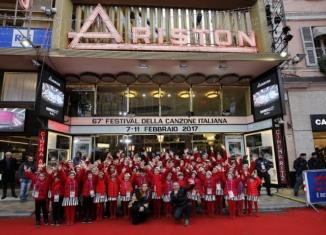 Il Piccolo Coro a Sanremo con Lo Stato Sociale