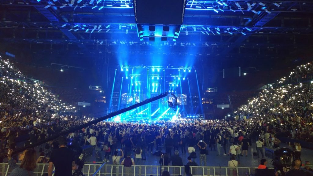 Ermal Meta, il suo concerto incanta il Forum di Milano