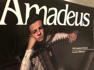 Amadeus spegne trenta candeline