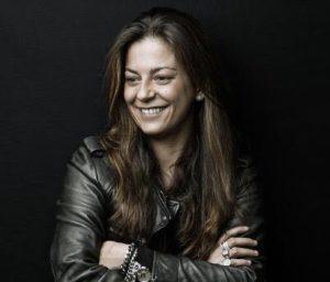 Alessandra Flora e l'arte di scrivere canzoni