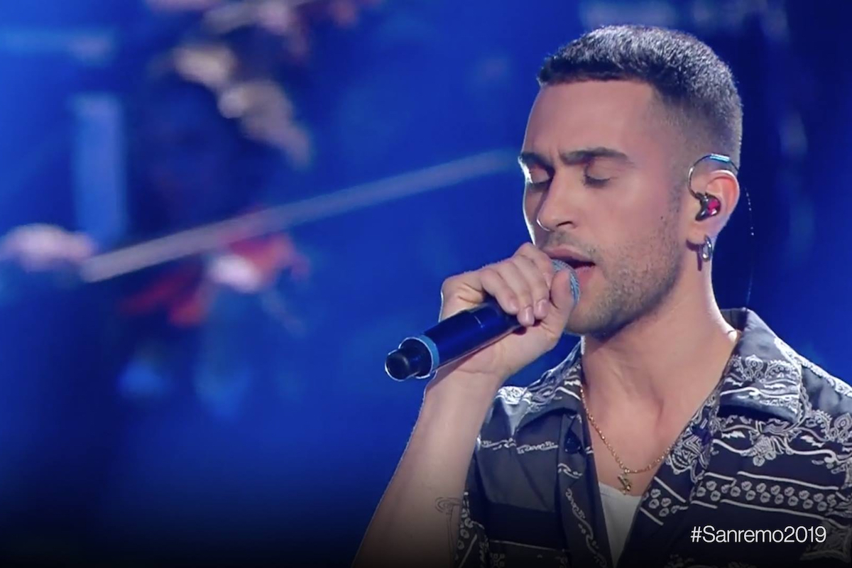 Sanremo2019, Mahmood fa battere le mani all'Ariston e si aggiudica la vittoria