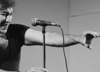 Ricordare Demetrio Stratos, l'uomo che suonava la voce