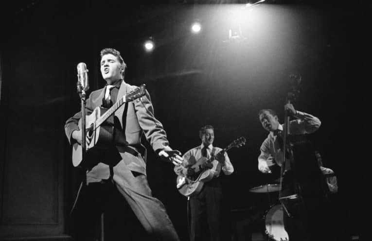 Elvis Presley: un ritratto attraverso i suoi concerti
