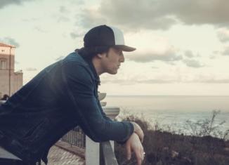 Luca Dirisio e il suo mare a settembre