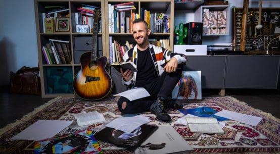 Roberto Casalino: il fabbricante di ricordi, sogni e canzoni