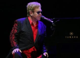 """""""Me, Elton John"""": confessioni autobiografiche di una rock star"""