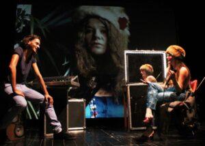 Janis Joplin, affascinante adolescente inquieta avvolta dal mito rock