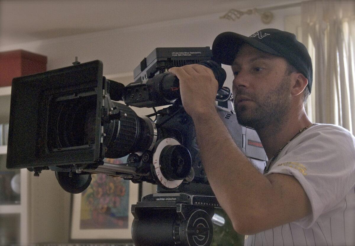 Max Nardari alla telecamera
