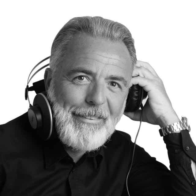 Maurizio Martinelli musicista, cantante e Speaker di Container