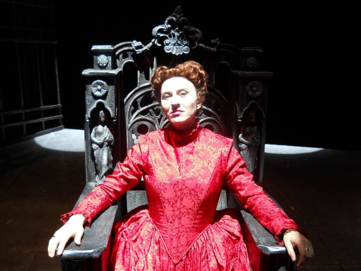 Musica a Teatro: Maria Antonietta Centoducati Maria Stuarda