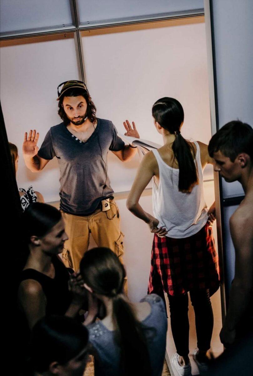 Note di Regia: Tommaso Sacchini Saper utilizzare musica e immagini conferisce un potere incredibile