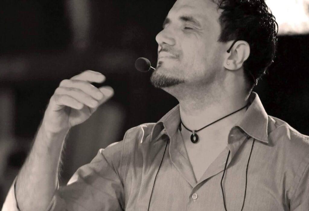 Enzo Campagnoli: Da Elettra a Orietta, come cambia l'orchestra