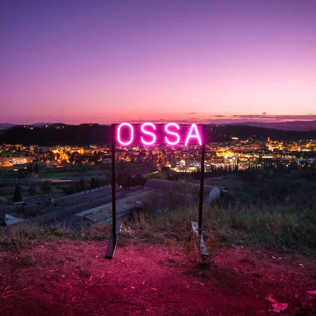 """La Monarchia: """"Ossa"""" tra amore e oppressione cover"""