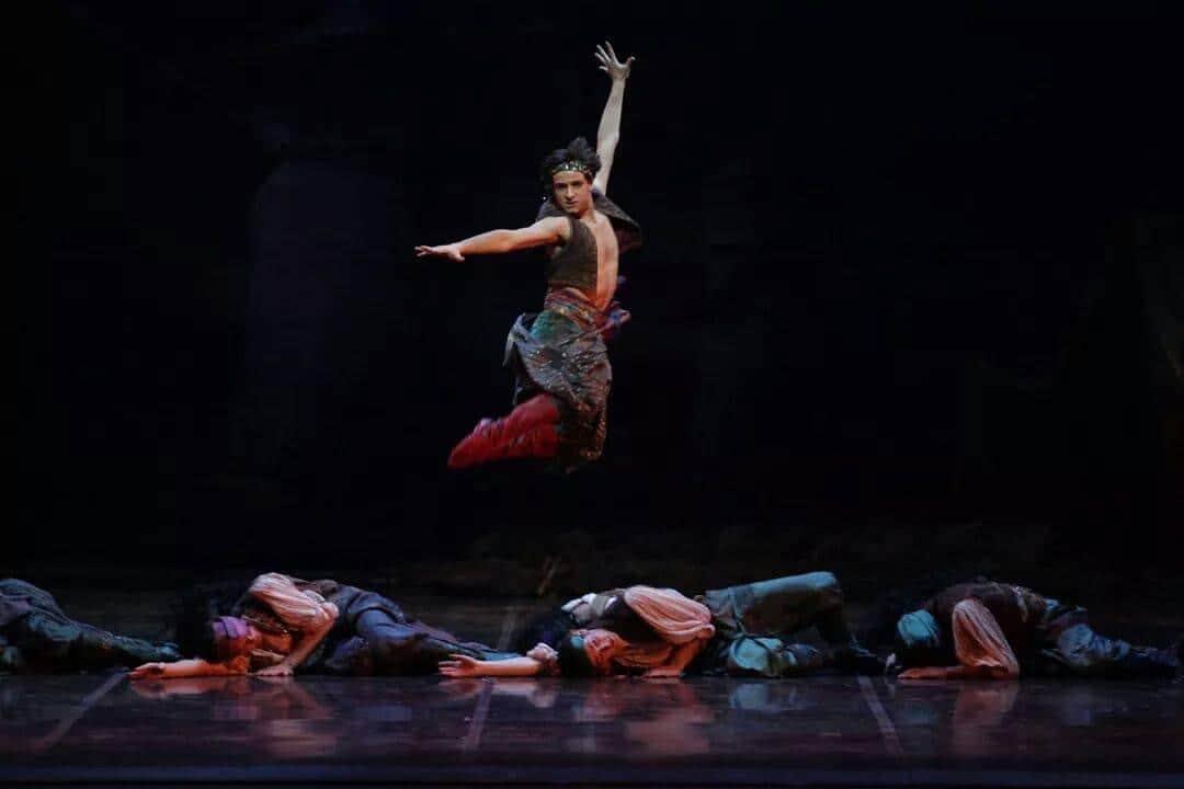 Federico Fresi nel ruolo dello zingaro in Don Chisciotte- Teatro alla Scala-
